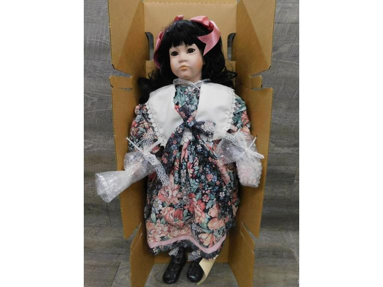 "29"" World Galleries Doll"