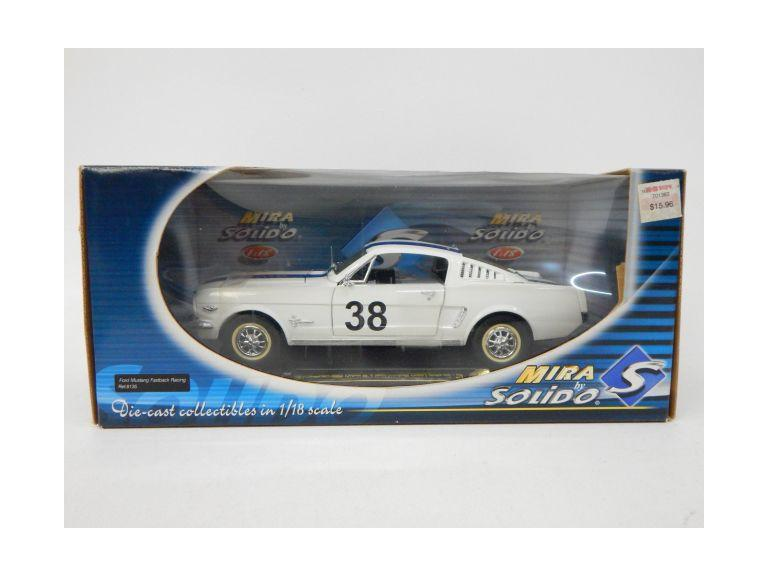 1:18 Scale Classic Mustang Die-Cast Model