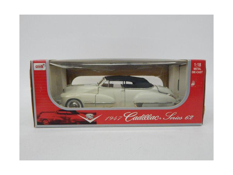 1:18 Scale Classic Cadillac Die-Cast Model