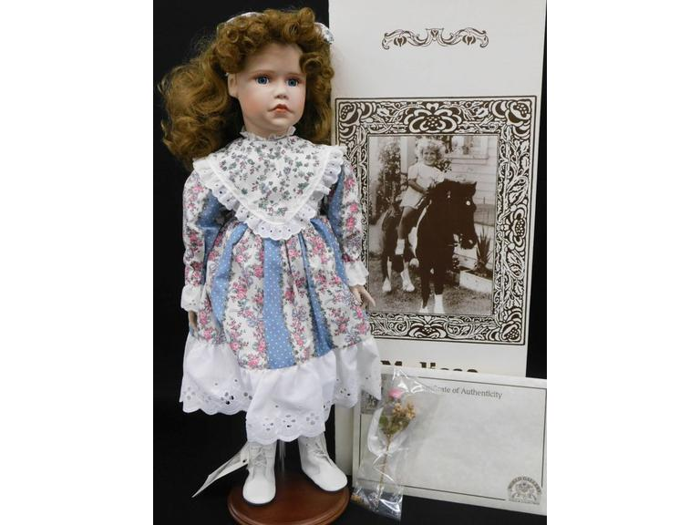 "World Gallery ""Melissa"" Doll"
