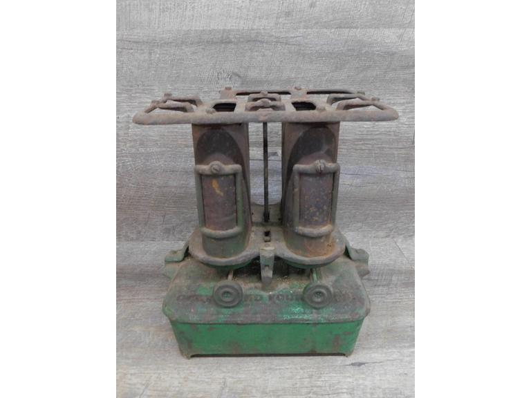 Antique Cleveland Foundry Co. Double Burner