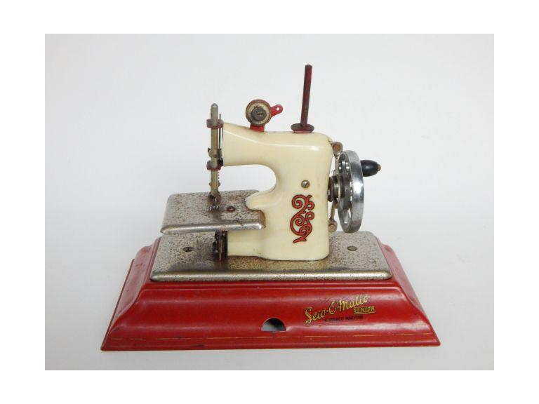Sew-O-Matic Toy Sewing Machine