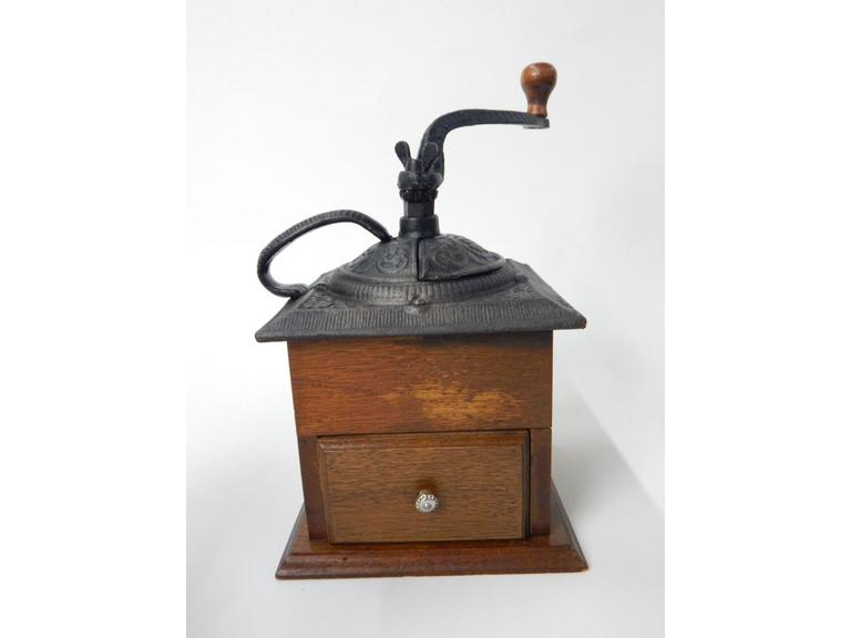 Hand Crank Cast Iron Top Coffee Grinder