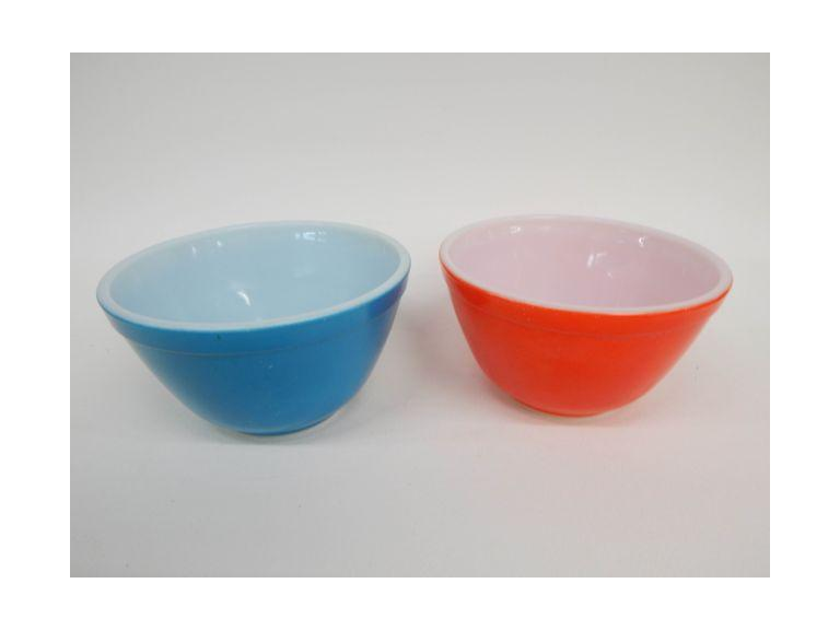 Small Pyrex Bowls