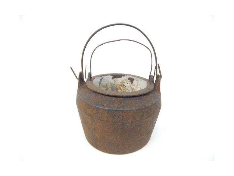 Cast Iron Smelting Pot
