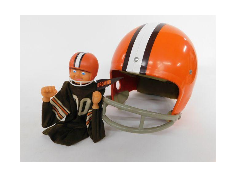 Vintage Cleveland Browns Décor