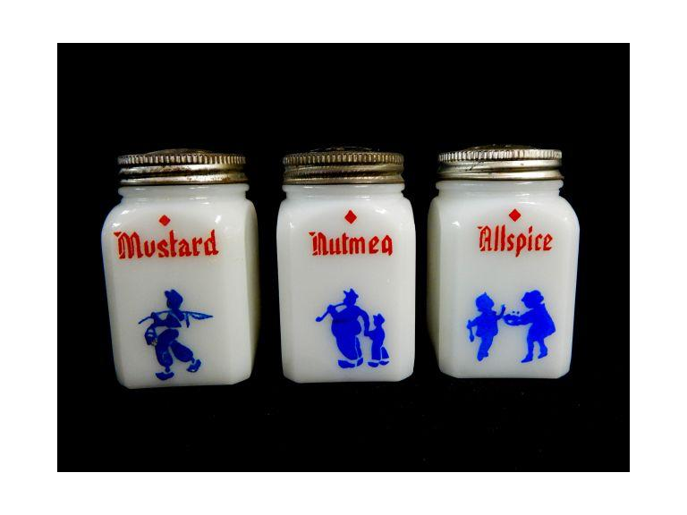 White Glass Shakers