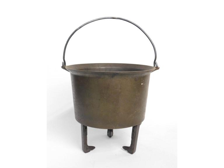 Metal Fire Pot with Stand