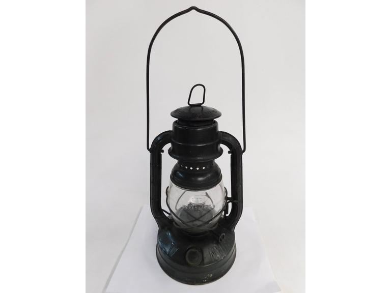 1940 Dietz Little Wizard Lantern