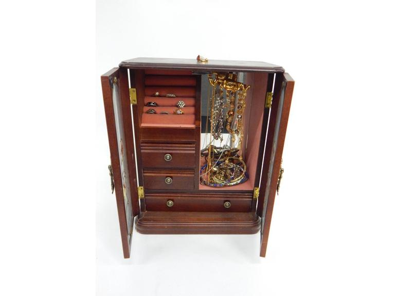 Full Jewelry Box