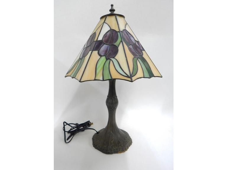 Stained Glass Shade Table Lamp