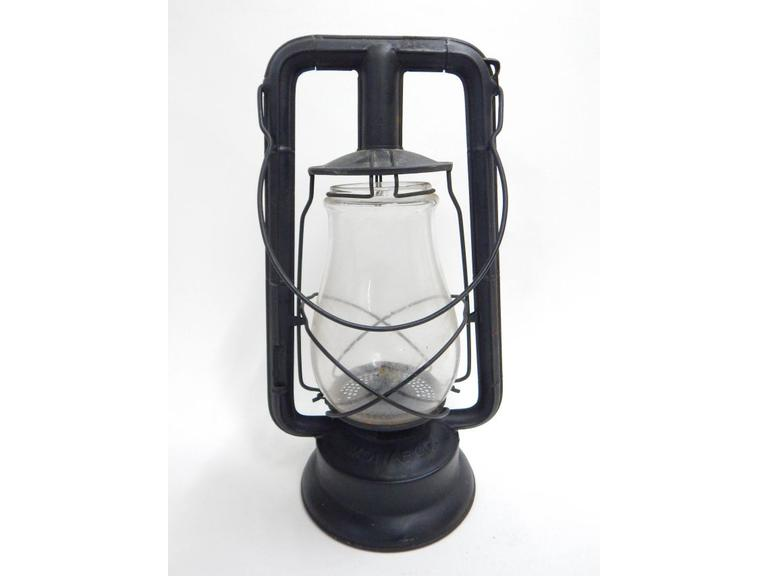 Dietz Monarch Barn Lantern