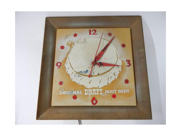 Vintage Draft Rootbeer Wall Clock
