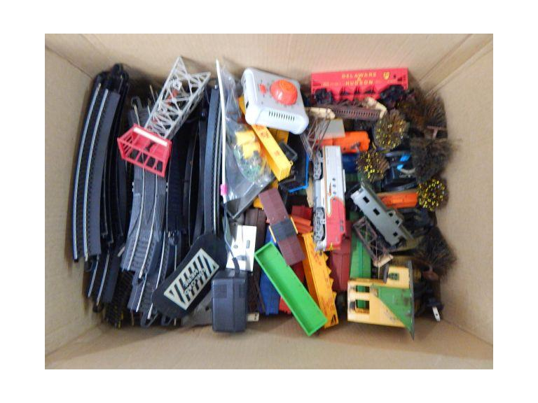 HO Scale Train Set & Accessories
