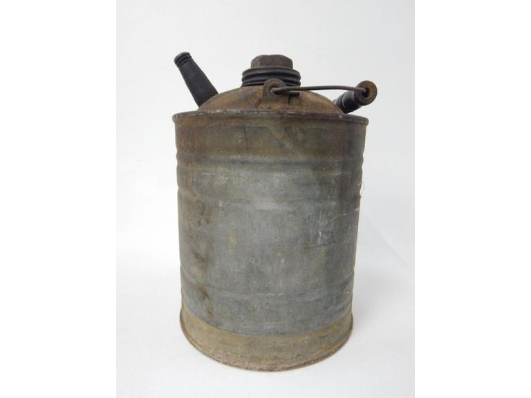 Old 1/2 Gallon Metal Fuel Can