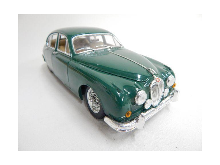 Maisto Die-Cast Jaguar Model