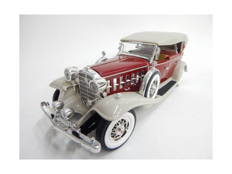 Die-Cast 1932 Cadillac Model