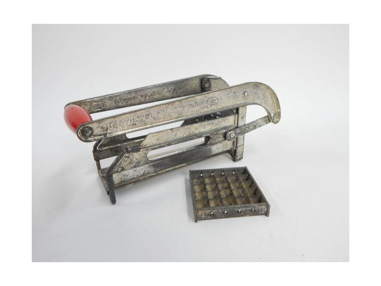 Vintage Ekco Vegetable Slicer