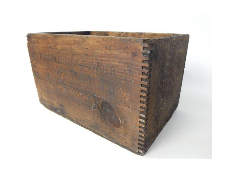 Dupont Wooden Black Powder Crate