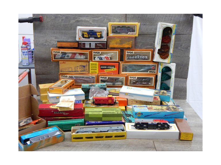Large Collection of HO Scale Train Cars & Engines