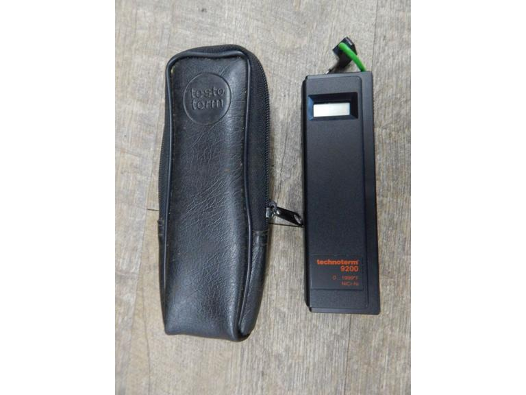 Pocket Size Digital Temperature Reader