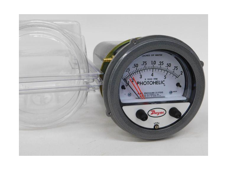 Dwyer Photohelic Series A3000 Switch-Gauge