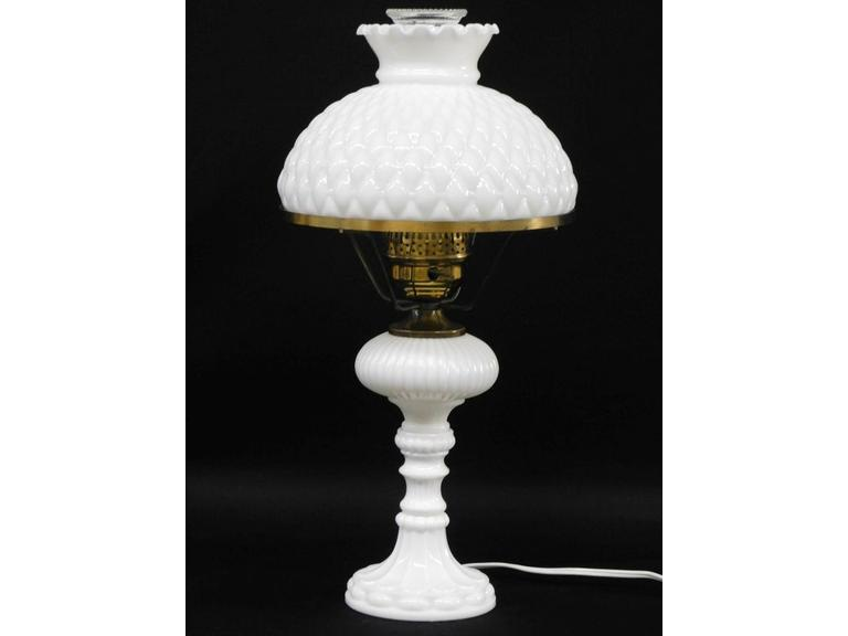 Beautiful Mid Century Solid Milk Glass Table Lamp