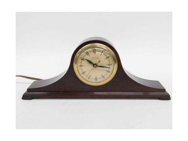 Vintage United Self Starting Mantel Clock