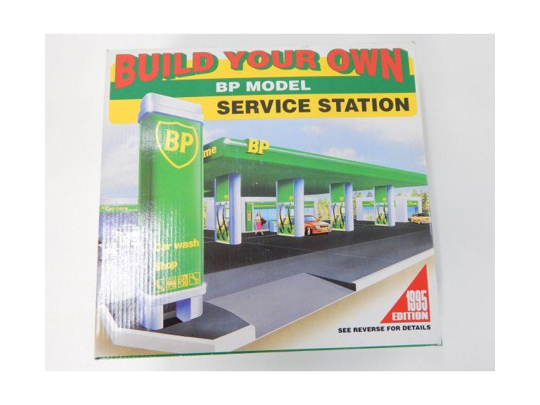 BP Service Station Model Kit