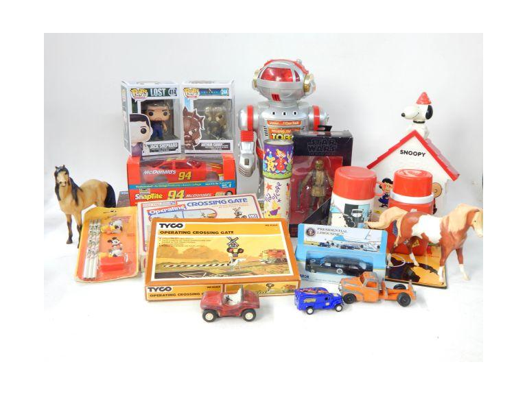 Nice Collection of Toys, Model Railroad, Action Figures and Model Kit