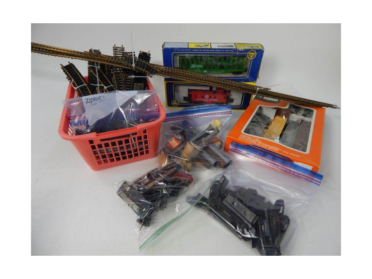 Collection of HO and O Gauge Train Accessories