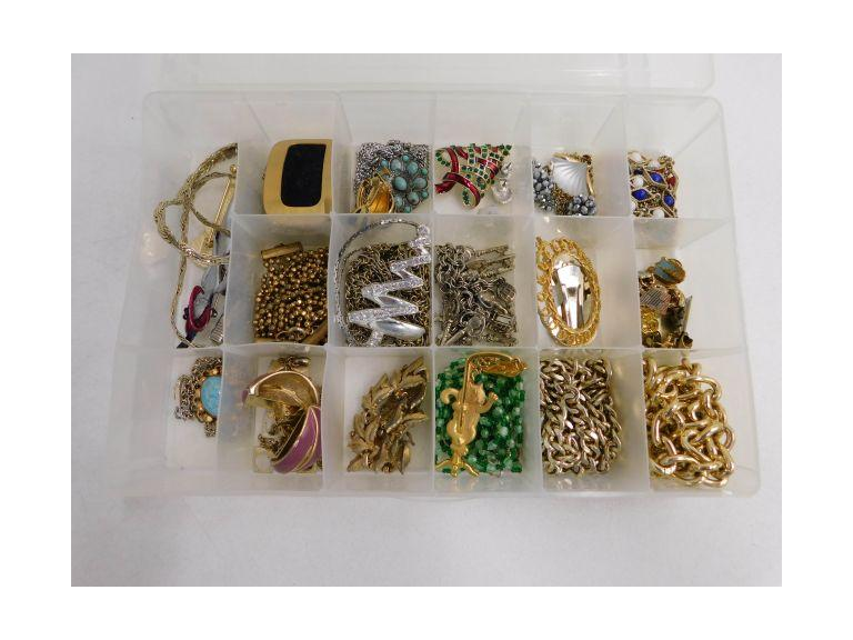 Plastic Divided Case of Jewelry