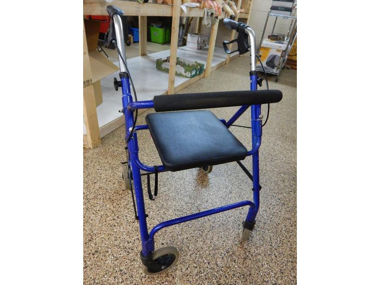 Portable Walker with Seat and Brakes