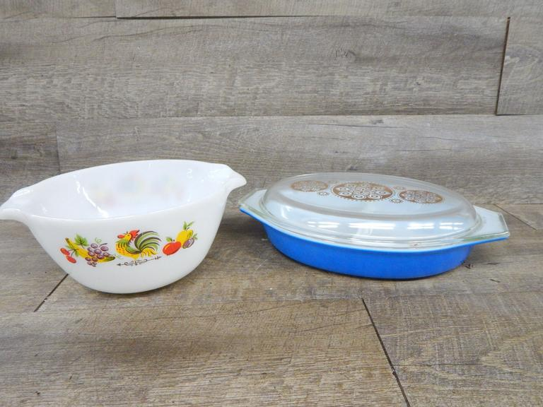 Vintage Pyrex and Fire King Dishes