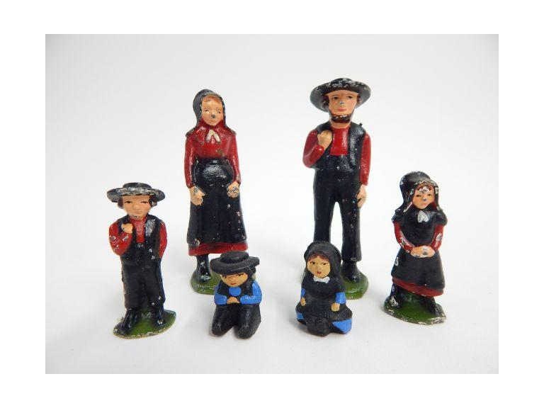 Set of Cat Iron Amish Family Figurines
