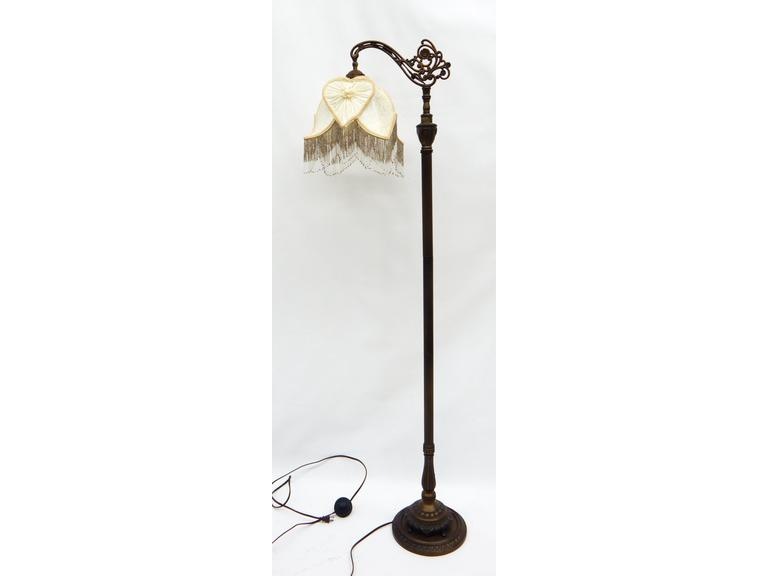 Classic Style Floor Lamp with Shade